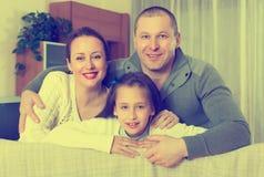 Портрет матери, отца и милой девушки совместно Стоковая Фотография