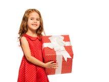 Портрет маленькой девочки с огромным настоящим моментом красного цвета Стоковое Изображение RF