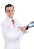 Портрет медицинского доктора с изображением рентгеновского снимка. Стоковые Изображения RF