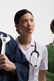Портрет медсестры и учителя механика стоковая фотография
