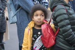 Портрет милого темнокожего девочка-подростка стоковое фото rf