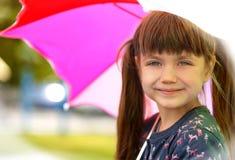 Портрет милой девушки с зонтиком Стоковое Изображение RF