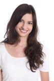 Портрет - милое брюнет усмехаясь на камере изолированной на белом b стоковое изображение rf