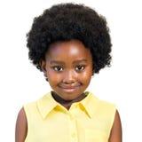 Портрет милой африканской девушки с афро стилем причёсок Стоковое фото RF