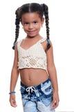Портрет милой Афро-американской малой девушки изолированной на белизне Стоковые Фото