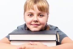 Портрет милой девушки с книгами Стоковая Фотография RF