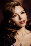 Портрет милой женщины с сногсшибательным составом красивейшая девушка Стоковая Фотография