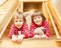 Портрет милых двойных девушек Стоковое Изображение RF