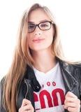 Портрет моды стильной молодой женщины в стеклах Волосы вниз черная кожа куртки Стоковое Изображение