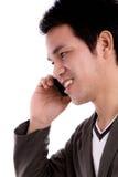 Портрет молодого бизнесмена на телефоне. Стоковые Изображения RF