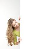 Портрет молодого девочка-подростка около знамени Стоковые Изображения RF