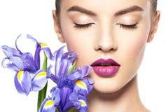 Портрет молодой красивой женщины с здоровой чистой кожей t стоковые изображения rf