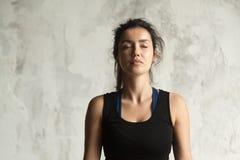 Портрет молодой привлекательной женщины yogi Стоковое фото RF