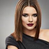 Портрет модели Beautyful волосы прямо стоковое фото rf