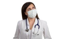 Портрет молодого женского доктора с маской Стоковая Фотография