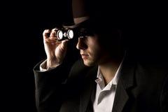 Портрет молодого и привлекательного джентльмена в ретро носить стиля стоковое изображение rf