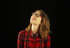 Портрет молодого красивого конца-вверх девушки в красной checkered рубашке с различными эмоциями на ее стороне Стоковые Изображения