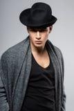 Портрет молодого, сексуальный, элегантный, красивый, человек моды Стоковое Изображение RF