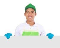 Портрет молодого человека готовый для того чтобы сделать некоторую чистку представлять экземпляр Стоковые Фото