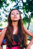 Портрет молодой азиатской девушки с естественными красивыми длинными волосами Стоковое Фото
