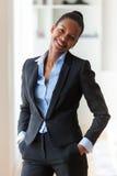 Портрет молодой Афро-американской бизнес-леди - черное peop Стоковая Фотография RF