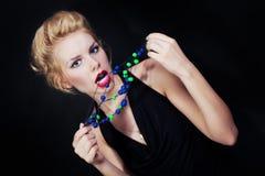 Портрет молодой белокурой женщины с шариками Стоковые Фотографии RF