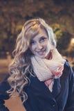 Портрет молодой женской коммерсантки в ноче Стоковое Изображение