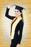 Портрет молодой женщины на выпускном дне стоковая фотография rf