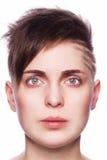 Портрет молодой женщины, современные короткие волосы Стоковые Изображения