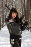 Портрет молодой женщины с оружием Стоковое Изображение RF
