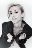Портрет молодой женщины с покрашенным усиком Стоковое Фото