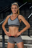 Портрет молодой и красивой женской тренировки фитнеса Мотивировка спорта Стоковое фото RF