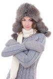Портрет молодой красивой женщины в одеждах зимы изолированных дальше Стоковое фото RF