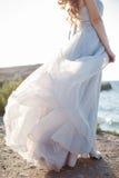 Портрет молодой невесты на береге моря Стоковые Фото