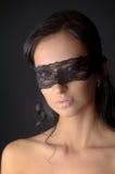 Портрет молодой привлекательной женщины brunnete с сахаром на ее губах Стоковое фото RF