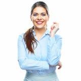Портрет молодой усмехаясь бизнес-леди на белой предпосылке Стоковое фото RF