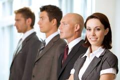 Портрет молодых кавказских бизнесменов в офисе Стоковые Фото