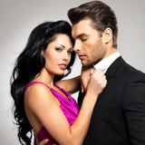 Портрет молодых красивых пар в влюбленности Стоковые Изображения