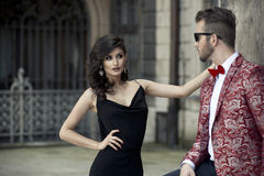 Портрет молодых элегантных пар в влюбленности стоковая фотография rf