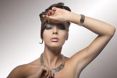 Портрет моды девушки с стилем причёсок Стоковая Фотография RF