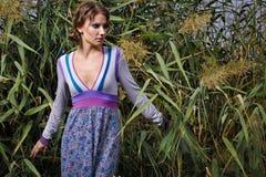 Портрет моды стильной девушки Стоковое Изображение RF