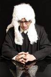 Портрет мужского юриста в парике с eyeglasses Стоковые Фотографии RF