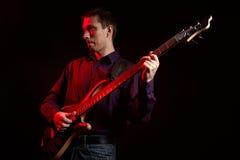 портрет музыканта басовой гитары Стоковые Изображения RF