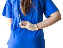 Портрет неизвестного молодого доктора в голубой медицинской форме с стоковая фотография rf