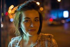 Портрет ночи милой женщины Стоковые Фото