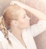 Портрет обольстительной женщины Стоковое Изображение RF