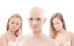 Портрет облыселой женщины - рака молочной железы Awereness стоковые фотографии rf