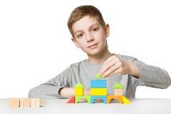 Портрет дома здания мальчика деревянных блоков Стоковое Изображение