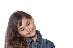 Портрет опрокинутой головной изолированной маленькой девочки брюнет Стоковые Фотографии RF