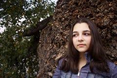 Портрет осени красивой девушки подростка Стоковая Фотография RF